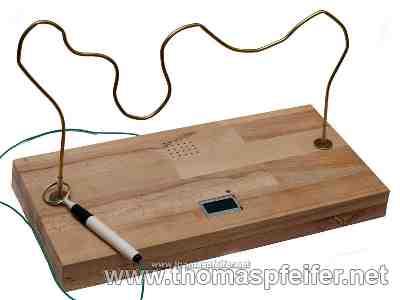 geschicklichkeitsspiel der hei e draht spiel zum selber. Black Bedroom Furniture Sets. Home Design Ideas